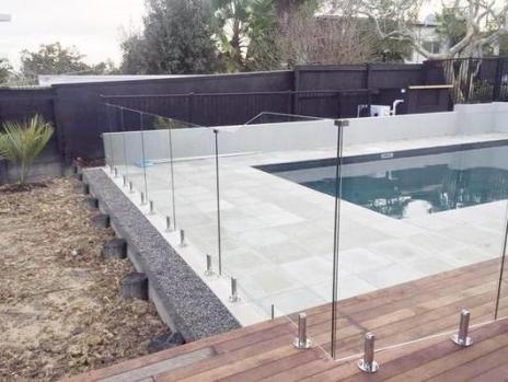 frameless_pool_530x